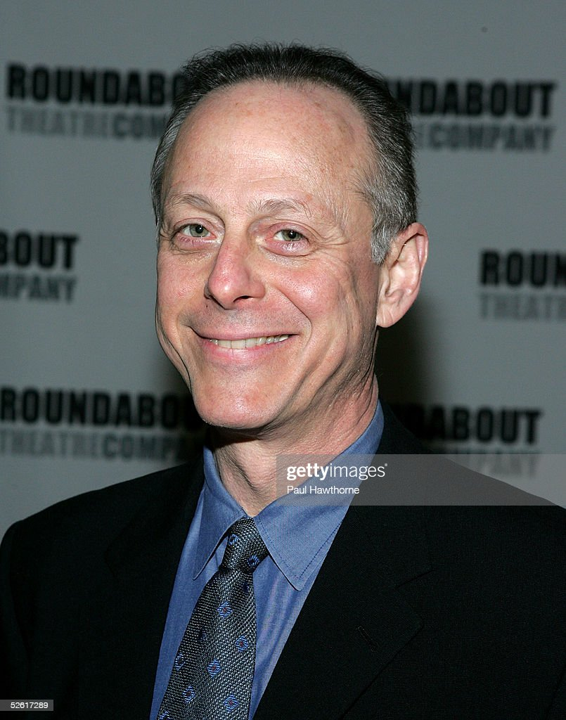 Actor Mark Blum attends the Ro...