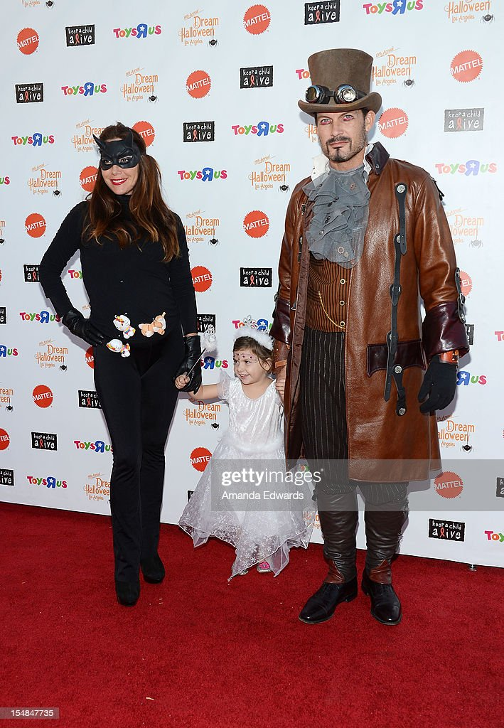 Keep A Child Alive Presents 2012 Dream Halloween Los Angeles - Arrivals : News Photo