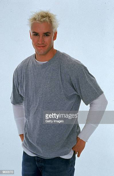 Actor Mark Paul Gosselaar poses for a portrait for the television series Beer Money