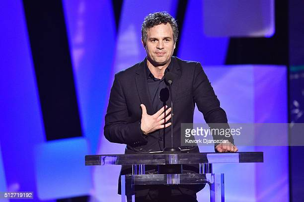 Actor Mark Ruffalo accepts the Robert Altman Award for 'Spotlight' onstage during the 2016 Film Independent Spirit Awards on February 27 2016 in...
