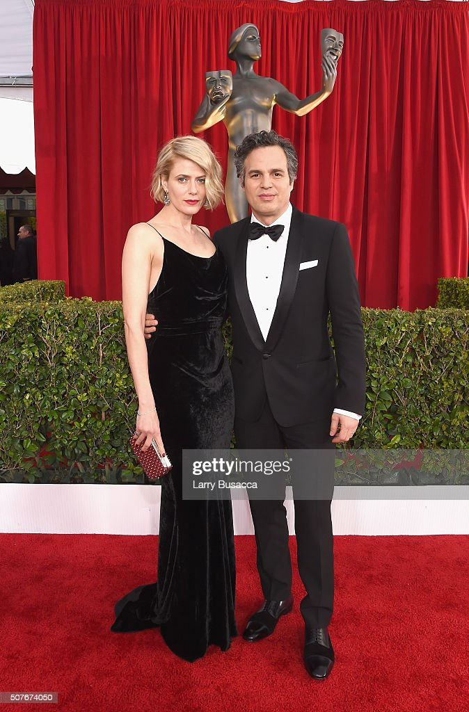 Actor Mark Ruffalo (R) and actress Sunrise Coigney attend the The 22nd Annual Screen Actors Guild Awards at The Shrine Auditorium on January 30, 2016 in Los Angeles, California. 25650_014