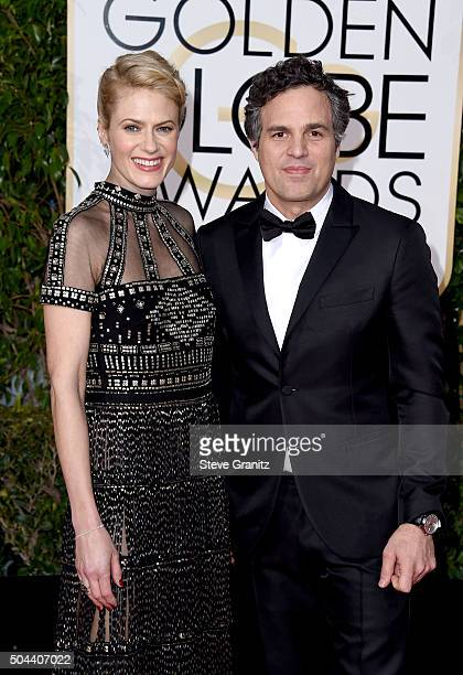 Actor Mark Ruffalo and Sunrise Coigney attend the 73rd Annual Golden Globe Awards held at the Beverly Hilton Hotel on January 10 2016 in Beverly...