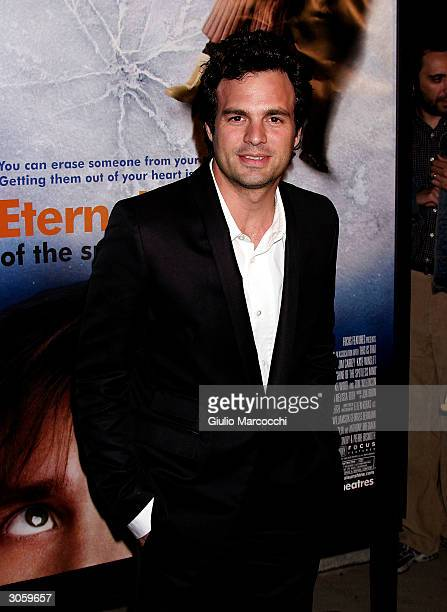 Actor Mark Ruffalo arrives at the world premiere of Focus Feature's Eternal Sunshine of the Spotless Mind on March 9 2004 at the Samuel Goldwyn...