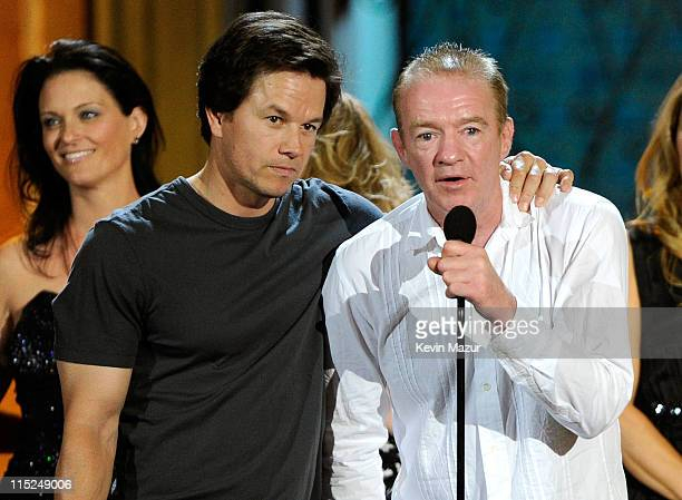 Actor Mark Wahlberg and boxer Dicky Eklund accept an award onstage during Spike TV's 5th annual 2011 Guys Choice Awards at Sony Pictures Studios on...