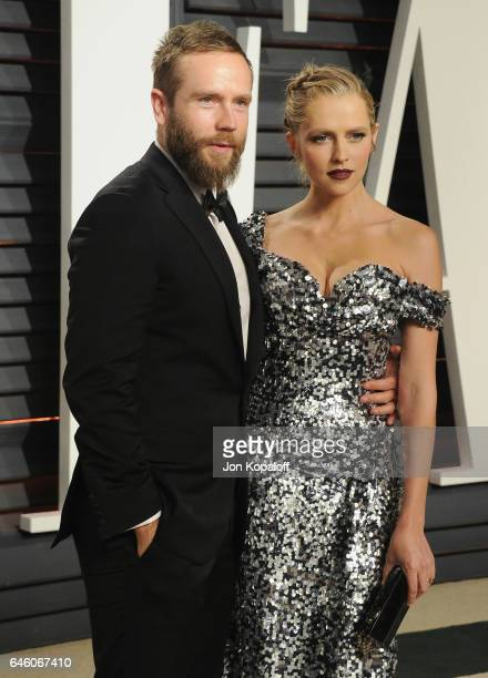 Actor Mark Webber and actress Teresa Palmer arrive at the 2017 Vanity Fair Oscar Party Hosted By Graydon Carter at Wallis Annenberg Center for the...