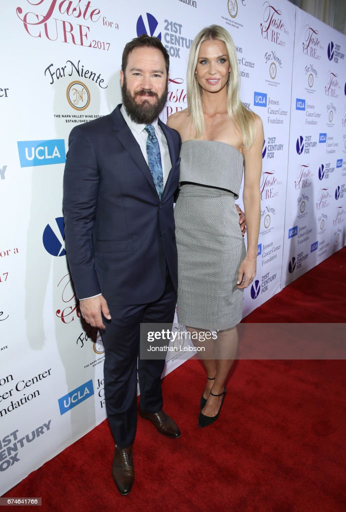 Actor Mark-Paul Gosselaar (L) and Catriona McGinn attend the UCLA Jonsson Cancer Center Foundation Hosts 22nd Annual 'Taste for a Cure' event honoring Yael and Scooter Braun at the Regent Beverly Wilshire Hotel on April 28, 2017 in Beverly Hills, California.