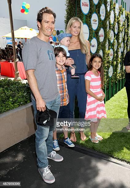 Actor MarkPaul Gosselaar Michael Charles Gosselaar wife Catriona McGinn and Ava Lorenn Gosselaar attend Safe Kids Day at The Lot on April 5 2014 in...
