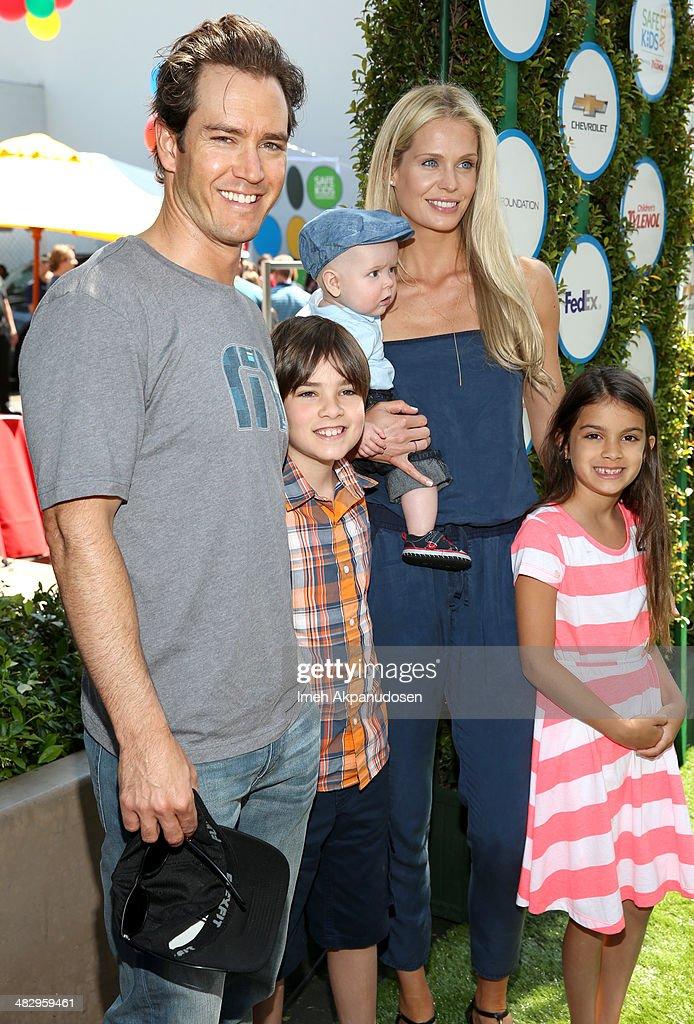 Safe Kids Day Los Angeles 2014 : News Photo