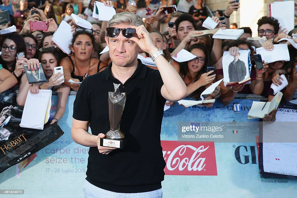 Actor Martin Freeman poses with the Giffoni Experience Award during the Giffoni Film Festival 2015 blue carpet on July 19, 2015 in Giffoni Valle Piana, Italy.