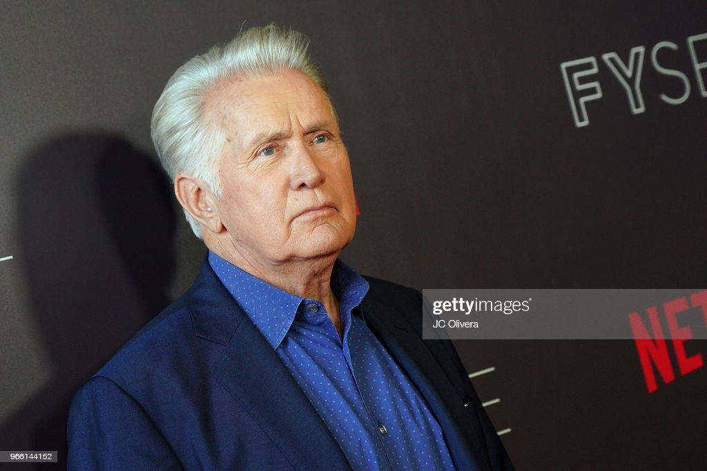#NETFLIXFYSEE Event For 'Grace And Frankie' - Arrivals : News Photo