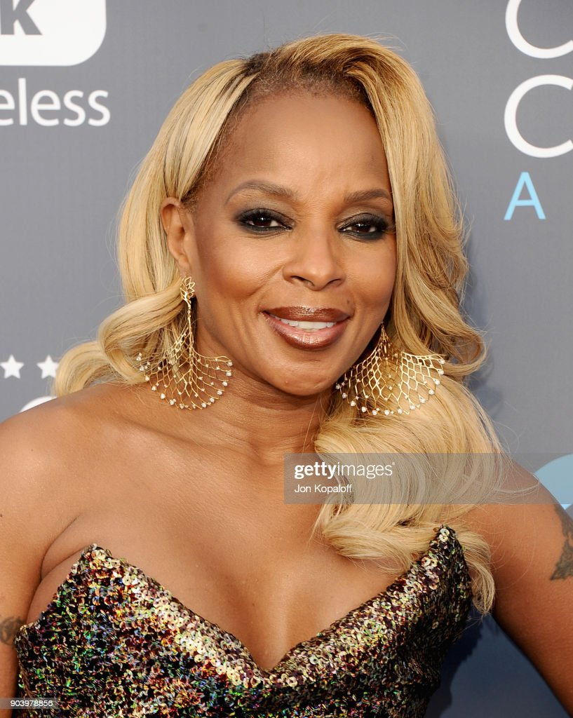 Actor Mary J. Blige attends The 23rd Annual Critics' Choice Awards at Barker Hangar on January 11, 2018 in Santa Monica, California.