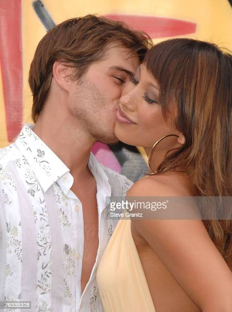 Actor Mathew Lawrence and Cheryl Burke arrive to the 2007 Teen Choice Awards at the Gibson Amphitheater on August 26 2007 in Uniersal City California