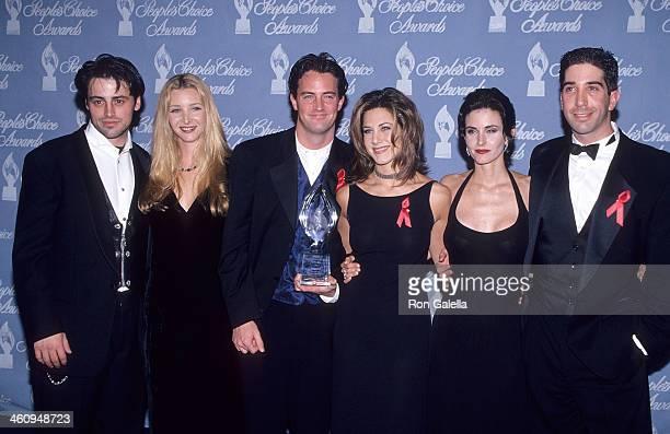 Actor Matt LeBlanc actress Lisa Kudrow actor Matthew Perry actress Jennifer Aniston actress Courteney Cox and actor David Schwimmer attend the 21st...