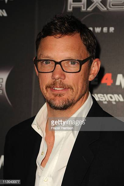 Actor Matthew Lillard arrives at the premiere of the Weinstein Company's Scream 4 Presented by AXE Shower at Grauman's Chinese Theatre on April 11...