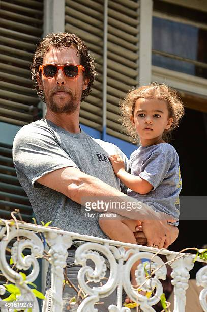 Actor Matthew McConaughey and Vida McConaughey participate in a charity Amazing Race Scavenger Hunt at a New Orleans apartment on May 17, 2014 in New...