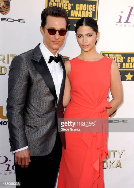 Actor Matthew McConaughey and wife Camila Alves attend the 19th Annual Critics' Choice Movie Awards at Barker Hangar on January 16 2014 in Santa...