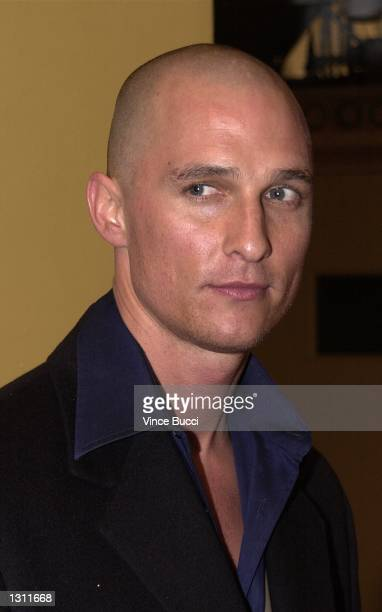 Actor Matthew McConaughey arrives for the premiere of the film 'What Women Want' December 13 2000 in Los Angeles