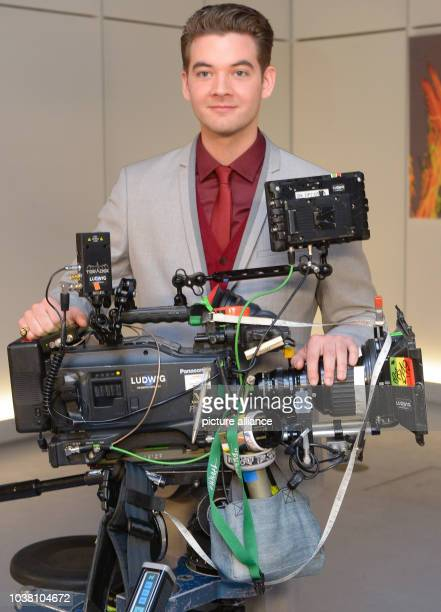 Actor Max Koenig behind a camera in Leipzig, Germany, 22 January 2015. Actor Max Koenig joins the television series 'In aller Freundschaft' ....