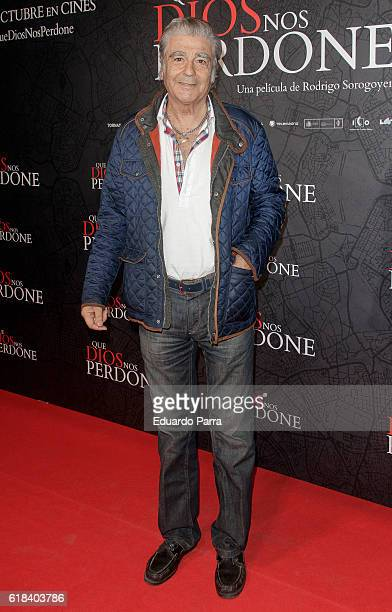 Actor Maximo Valverde attends the 'Que Dios nos perdone' photocall at Capitol cinema on October 26 2016 in Madrid Spain