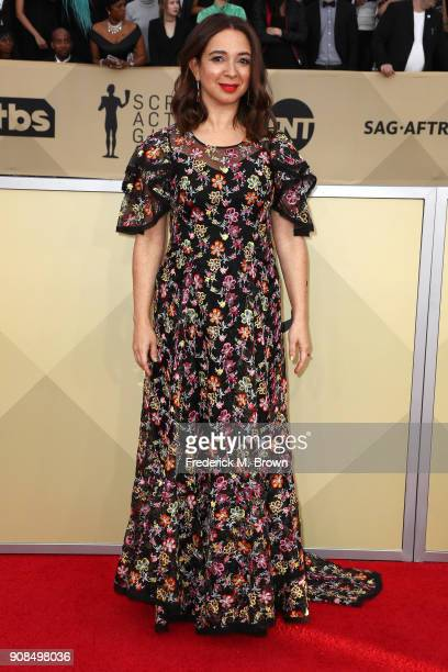 Actor Maya Rudolph attends the 24th Annual Screen Actors Guild Awards at The Shrine Auditorium on January 21 2018 in Los Angeles California 27522_017