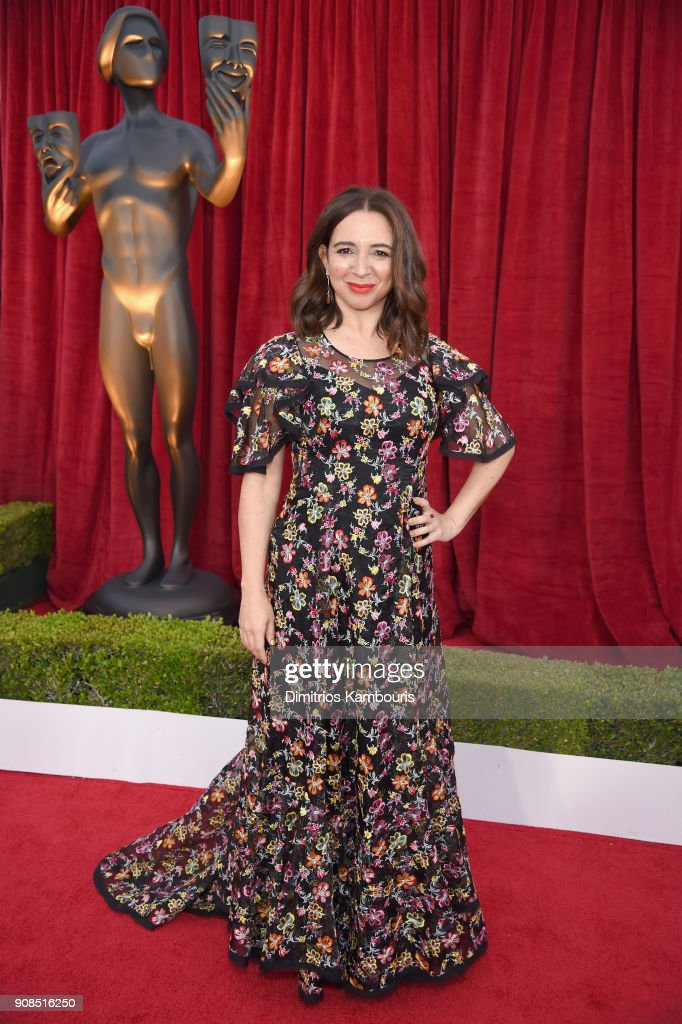 Actor Maya Rudolph attends the 24th Annual Screen Actors Guild Awards at The Shrine Auditorium on January 21, 2018 in Los Angeles, California. 27522_009