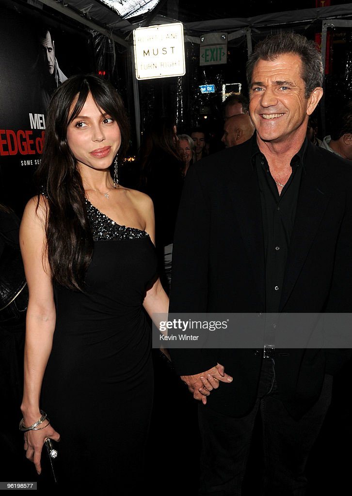 """Premiere Of Warner Bros. """"The Edge Of Darkness"""" - Arrivals"""