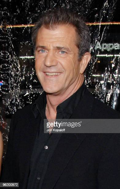 """Actor Mel Gibson arrives at the Los Angeles Premiere """"Edge Of Darkness"""" at Grauman's Chinese Theatre on January 26, 2010 in Hollywood, California."""