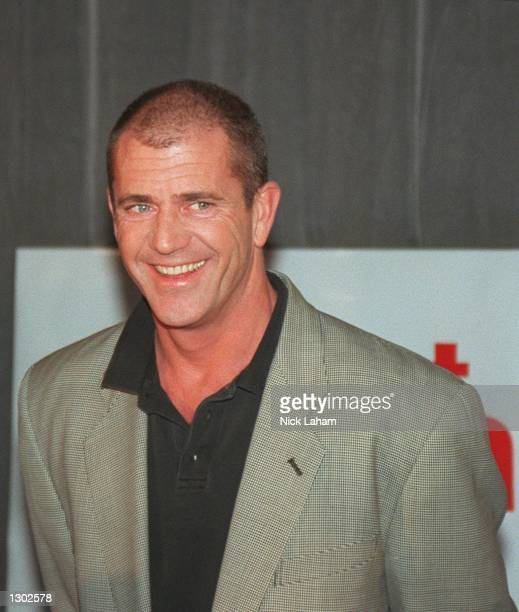 Actor Mel Gibson attends a press conference October 17 2000 to promote his new movie What Women Want at the Intercontinental Hotel in Sydney Australia