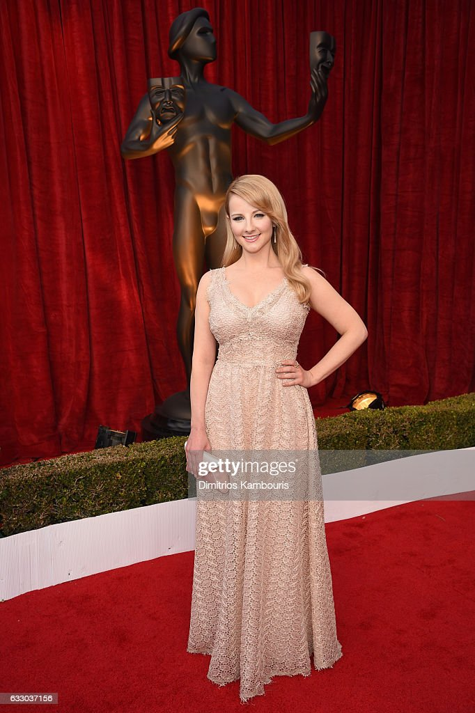 Actor Melissa Rauch attends The 23rd Annual Screen Actors Guild Awards at The Shrine Auditorium on January 29, 2017 in Los Angeles, California. 26592_009