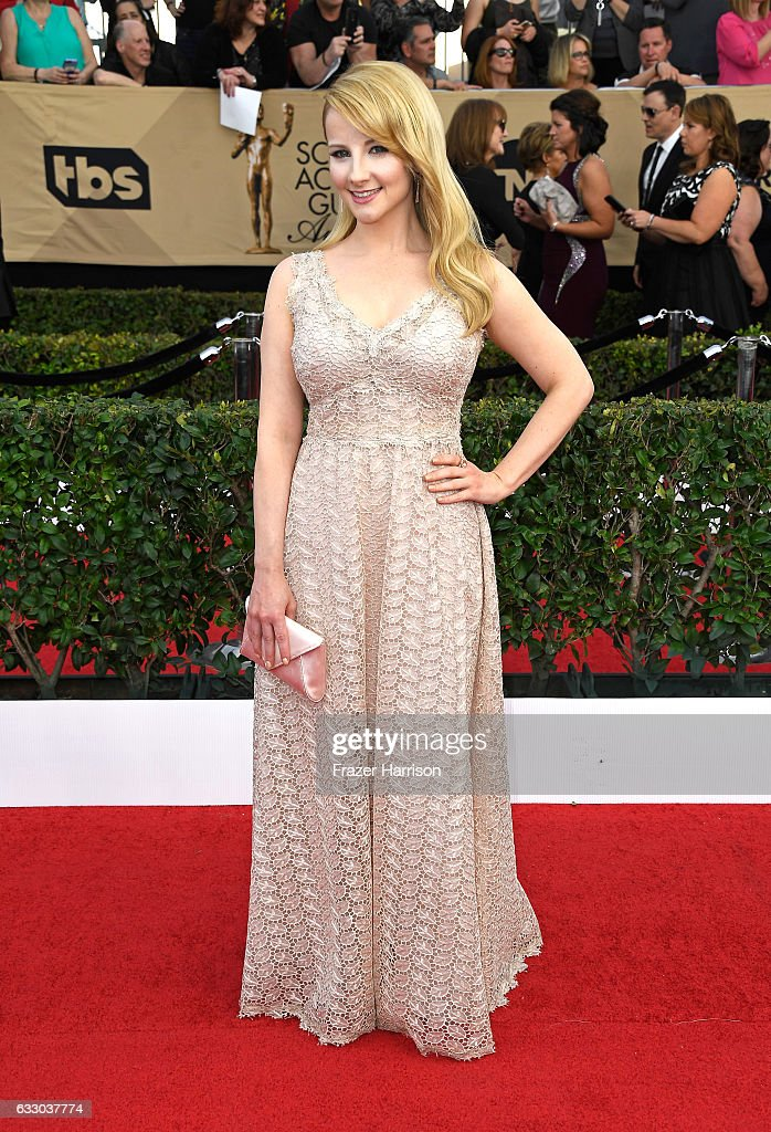 Actor Melissa Rauch attends The 23rd Annual Screen Actors Guild Awards at The Shrine Auditorium on January 29, 2017 in Los Angeles, California. 26592_008