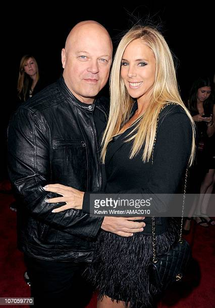 Actor Michael Chiklis and Michelle Moran arrive at the 2010 American Music Awards held at Nokia Theatre LA Live on November 21 2010 in Los Angeles...