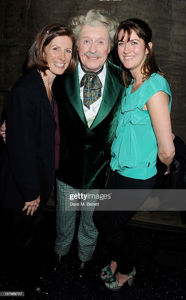 Michael Crawford Celebrates His 70th Birthday At 'The Wizard Of Oz' : News Photo