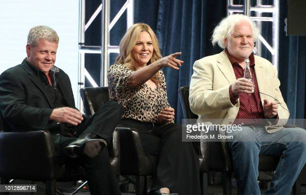 Actor Michael Cudlitz actress Mary McCormack and creator/executive producer Tim Doyle of the television show 'The Kids Are Alright' speak during the...