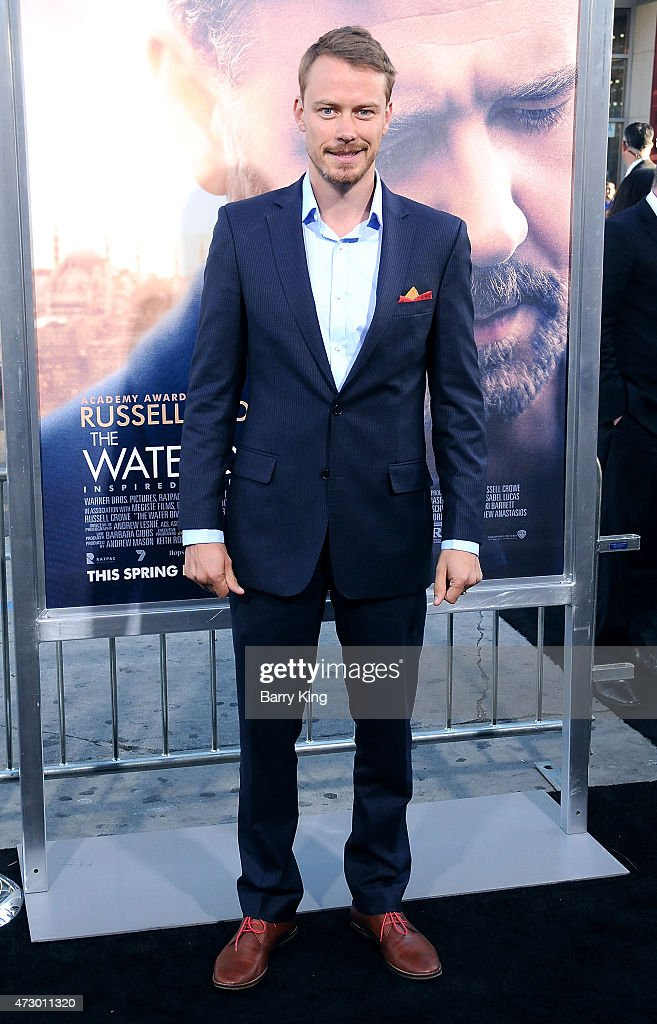 Actor Michael Dorman attends the premiere of 'The Water Diviner' at TCL Chinese Theatre IMAX on April 16, 2015 in Hollywood, California.