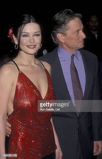 Actor Michael Douglas and actress Catherine Zeta Jones attend the premiere of Traffic on December 14 2000 at the Academy Theater in Beverly Hills...