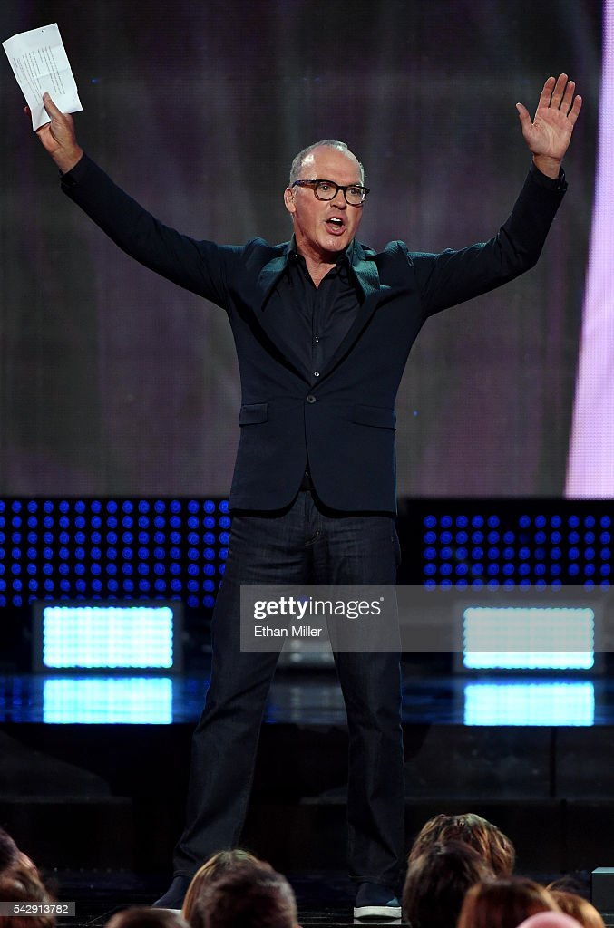 Actor Michael Keaton presents the Hart Trophy during the 2016 NHL Awards at The Joint inside the Hard Rock Hotel & Casino on June 22, 2016 in Las Vegas, Nevada.