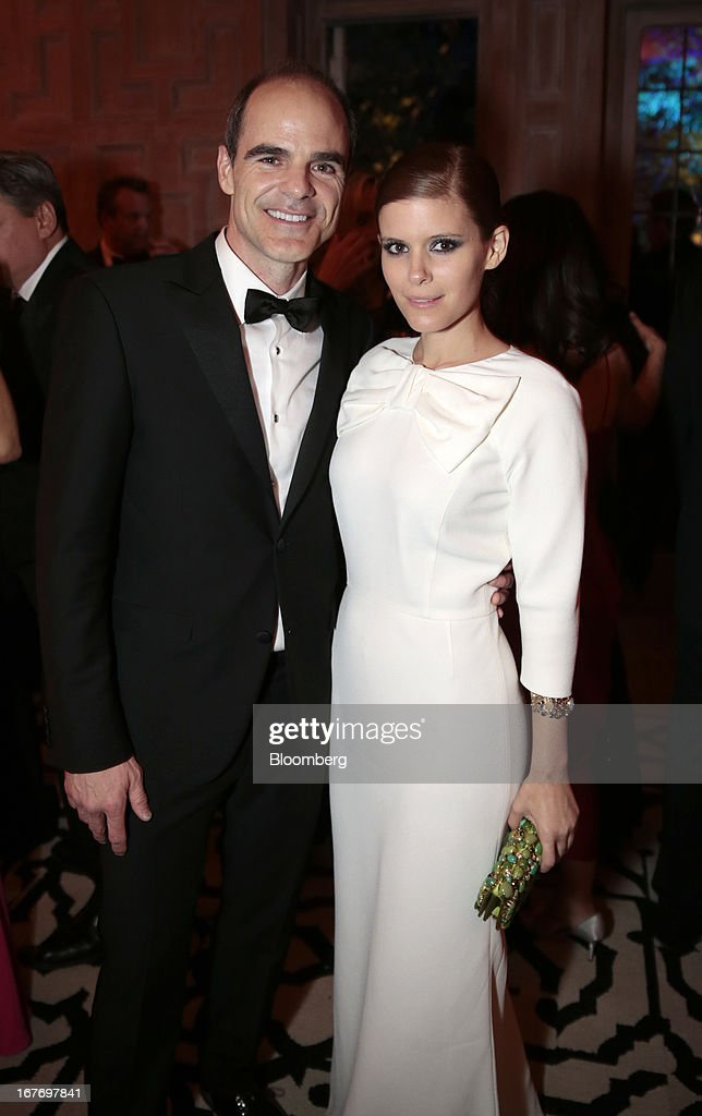 Actor Michael Kelly and actress Kate Mara attend the Bloomberg Vanity Fair White House Correspondents' Association (WHCA) dinner afterparty in Washington, D.C., U.S., on Saturday, April 27, 2013. The 99th annual dinner raises money for WHCA scholarships and honors the recipients of the organization's journalism awards. Photographer: Andrew Harrer/Bloomberg via Getty Images