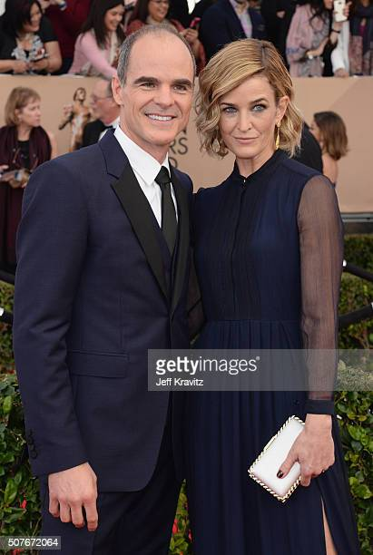Actor Michael Kelly and Karyn Kelly attend the 22nd Annual Screen Actors Guild Awards at The Shrine Auditorium on January 30 2016 in Los Angeles...