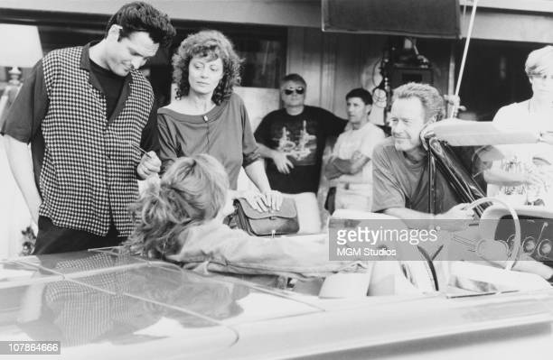Actor Michael Madsen actresses Susan Sarandon and Geena Davis and director Ridley Scott on the set of the film 'Thelma And Louise' 1991
