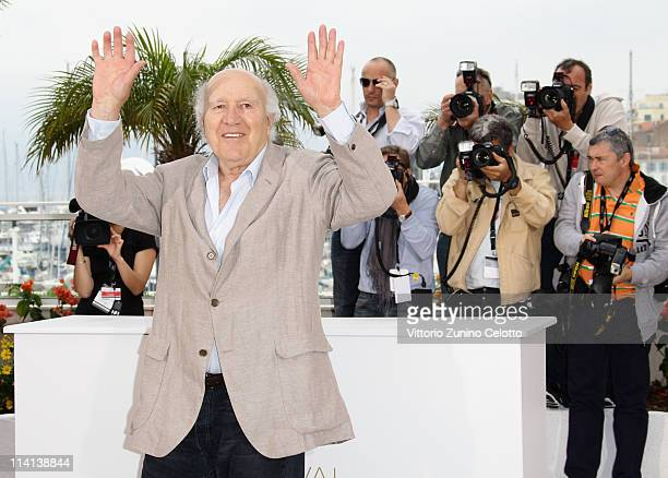 Actor Michel Piccoli attends the Habemus Papam photocall at the Palais des Festivals during the 64th Cannes Film Festival on May 13 2011 in Cannes...