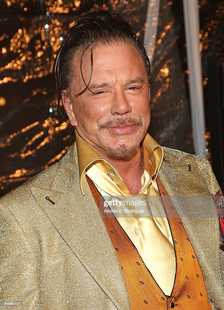 "Premiere Of Fox Searchlight Pictures' ""The Wrestler"" - Arrivals : News Photo"