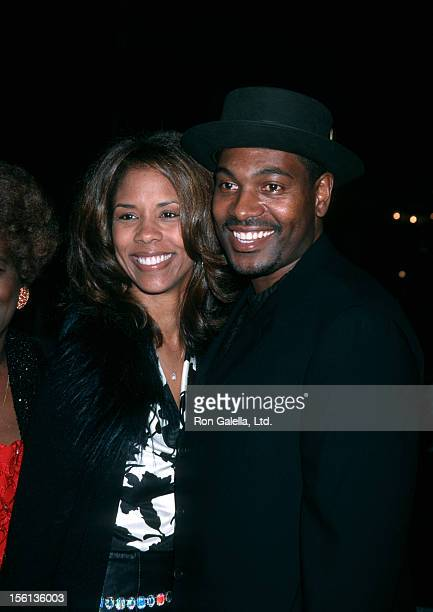 Actor Mykelti Williamson and wife Sondra Spriggs attending the world premiere of 'Ali' on December 12 2001 at Grauman Chinese Theater in Hollywood...