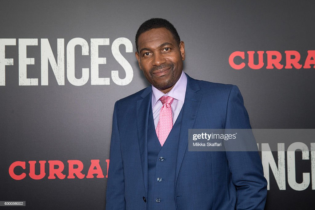 Actor Mykelti Williamson arrives at the Premiere of 'Fences' at Curran Theatre on December 15, 2016 in San Francisco, California.