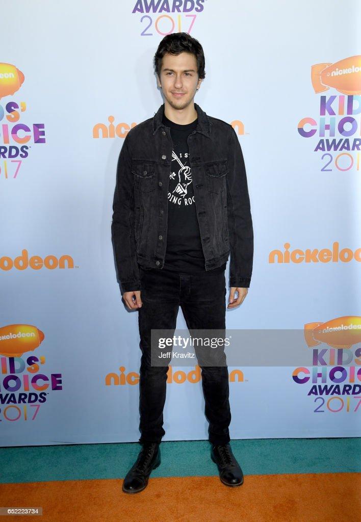 Nat Wolff Photos Photos - Nickelodeons 2017 Kids Choice
