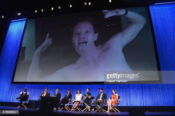 Actor Neil Patrick Harris with cast Wayne Brady Creator/executive producers Carter Bays and Craig Thomas executive producer Pamela Fryman Actors...