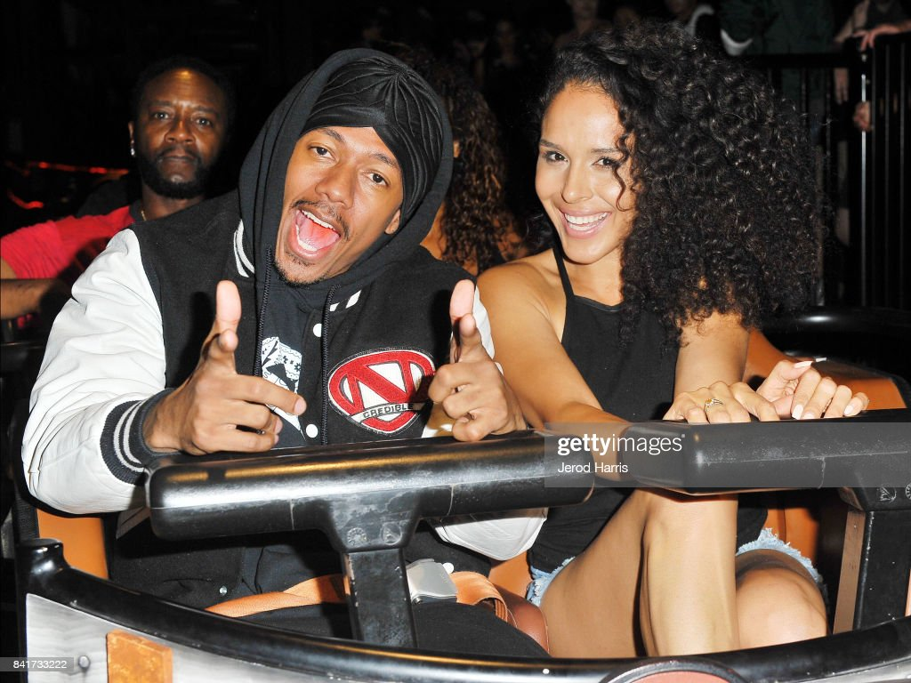 Nick Cannon Visits Knott's Berry Farm : News Photo