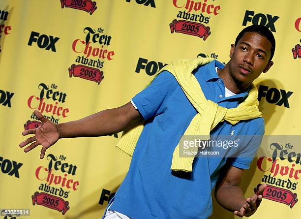 Actor Nick Cannon poses in the press room at the 2005 Teen Choice Awards held at Gibson Amphitheatre at Universal CityWalk on August 14 2005 in...