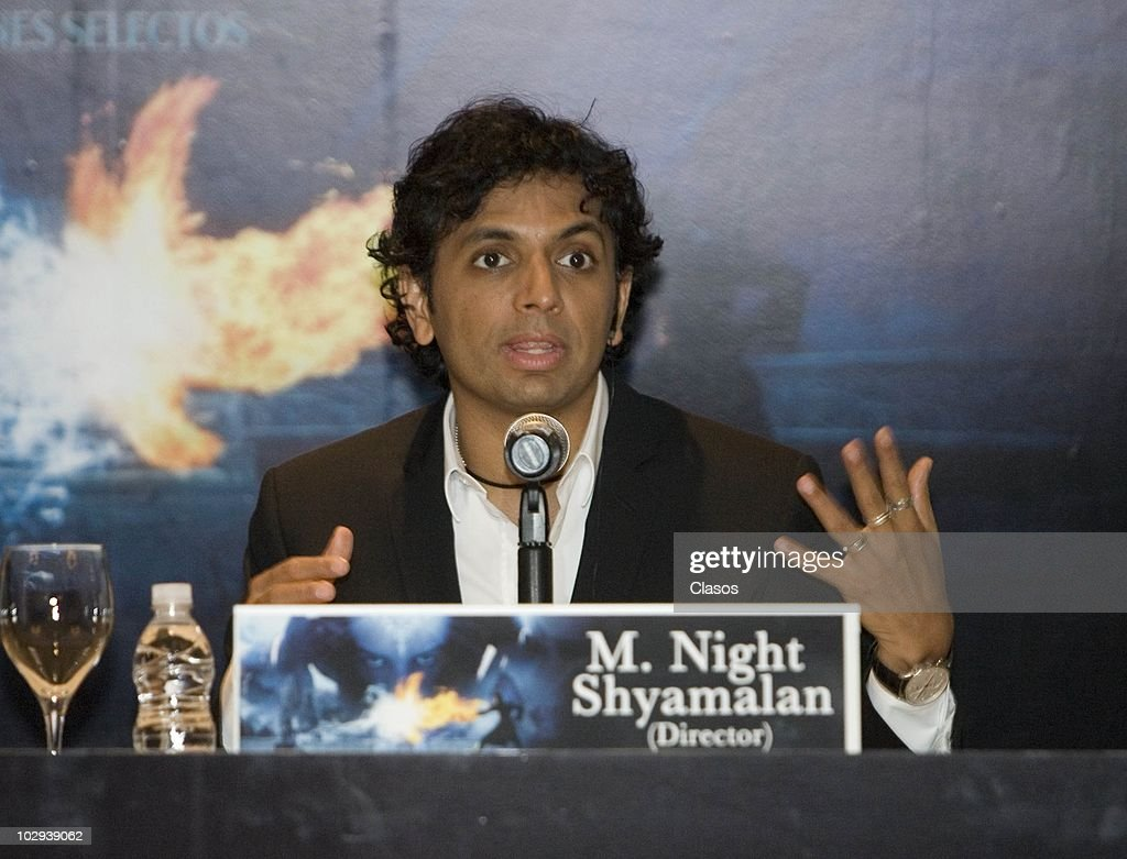 El Ultimo Maestro Del Aire Press Conference Pictures Getty Images City Release Actor Night Shyamalan Speaks During A To Present The Movie