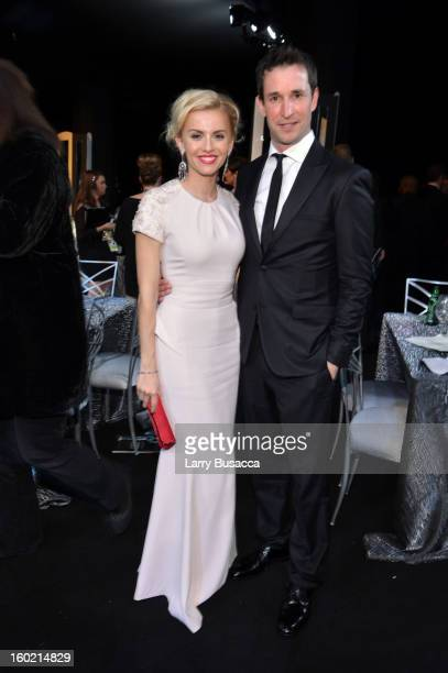 Actor Noah Wyle and Sara Wells attend the 19th Annual Screen Actors Guild Awards at The Shrine Auditorium on January 27, 2013 in Los Angeles,...