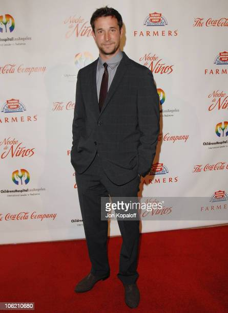 """Actor Noah Wyle arrives at the 3rd Annual """"Noche de Ninos"""" Gala at The Beverly Hilton Hotel on May 9, 2009 in Beverly Hills, California."""